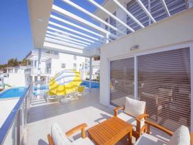 Image No.1-Villa / Détaché de 4 chambres à vendre à Ovacik
