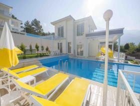 Image No.2-Villa / Détaché de 4 chambres à vendre à Ovacik