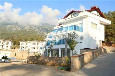 Royal Hills Apartment-20