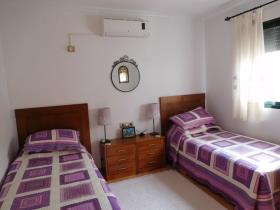 Image No.30-3 Bed Villa / Detached for sale