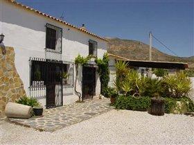 Image No.3-Villa de 6 chambres à vendre à Velez-Rubio
