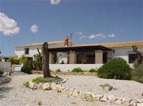 Image No.4-Villa de 6 chambres à vendre à Velez-Rubio