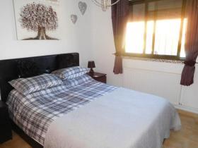 Image No.25-2 Bed Villa / Detached for sale