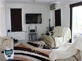 Image No.1-Villa de 3 chambres à vendre à Emba