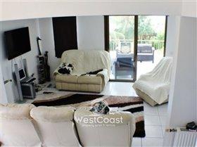 Image No.7-Villa de 3 chambres à vendre à Emba