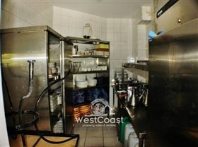 Image No.8-4 Bed Commercial for sale