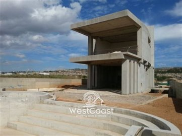 17746-seafront-villa-in-magnificent-residence