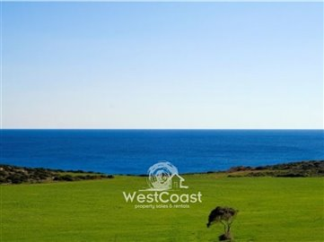 17748-seafront-villa-in-magnificent-residence