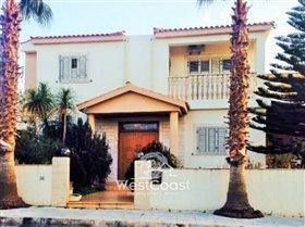 Image No.0-Villa de 4 chambres à vendre à Konia