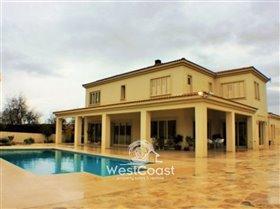 Image No.1-Villa de 4 chambres à vendre à Polemi