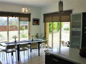 Image No.6-Villa de 4 chambres à vendre à Polemi