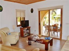 Image No.2-Villa de 4 chambres à vendre à Argaka
