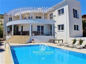 Image No.0-Villa de 4 chambres à vendre à Peyia