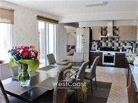 Image No.5-Villa de 4 chambres à vendre à Peyia