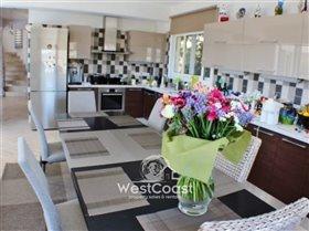 Image No.6-Villa de 4 chambres à vendre à Peyia
