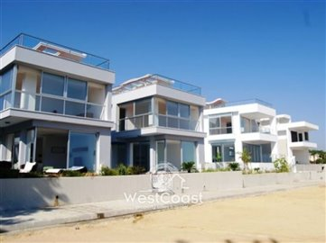 25265-3-bedroom-villa-sea-frontfull