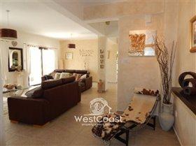 Image No.1-Villa de 3 chambres à vendre à Letymvou