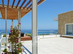 Image No.3-Villa de 4 chambres à vendre à Lachi