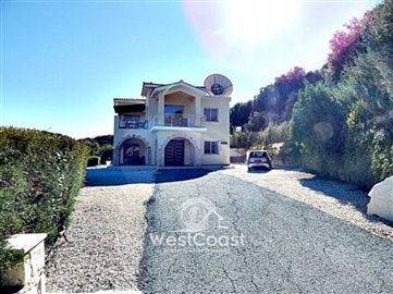 37587-3-bedroom-house-on-a-large-plot-in-thel