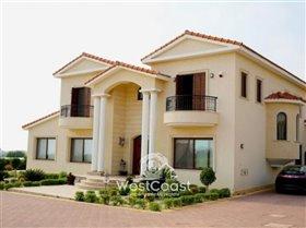 Image No.1-Villa de 5 chambres à vendre à Emba