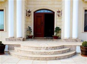 Image No.4-Villa de 5 chambres à vendre à Emba