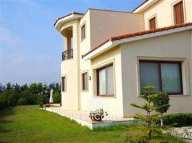 Image No.5-Villa de 5 chambres à vendre à Emba