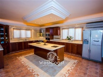43965-luxury-house-in-letymboufull