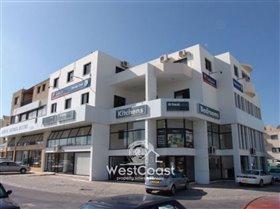 Image No.1-Commercial à vendre à Paphos