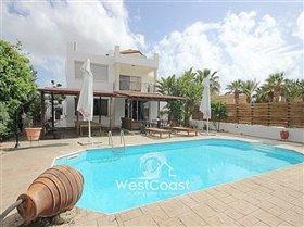 Image No.1-Villa de 5 chambres à vendre à Universal