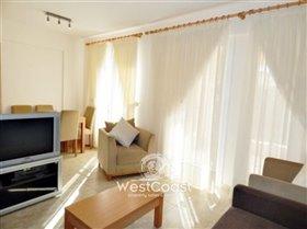 Image No.2-Appartement de 2 chambres à vendre à Chloraka
