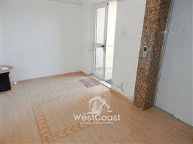Image No.8-Commercial de 1 chambre à vendre à Kato Paphos