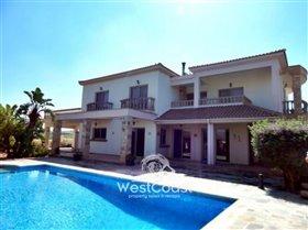Image No.0-Villa de 4 chambres à vendre à Anarita