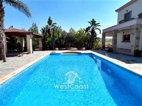 Image No.2-Villa de 4 chambres à vendre à Anarita