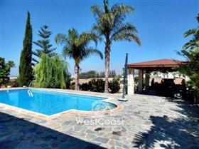 Image No.3-Villa de 4 chambres à vendre à Anarita