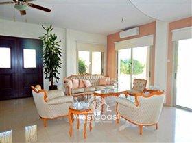 Image No.5-Villa de 4 chambres à vendre à Anarita