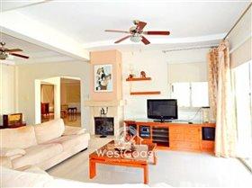 Image No.8-Villa de 4 chambres à vendre à Anarita