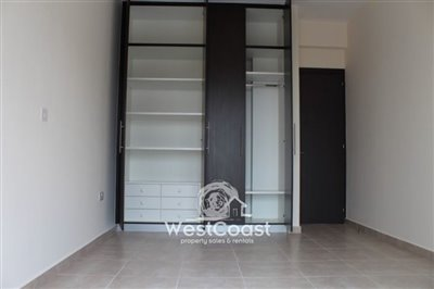 81696-town-house-for-sale-in-yeroskipoufull