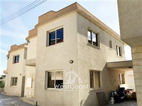 Image No.0-3 Bed Townhouse for sale