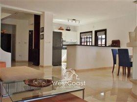 Image No.4-Villa de 5 chambres à vendre à Chloraka