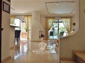 Image No.5-Villa de 5 chambres à vendre à Chloraka