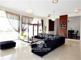 Image No.5-Villa de 4 chambres à vendre à Kholi