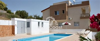 68058-town-house-for-sale-in-choletriafull