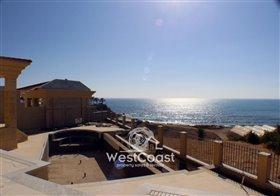 Image No.5-Villa de 4 chambres à vendre à Kissonerga