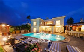 Image No.0-Villa de 8 chambres à vendre à Coral Bay
