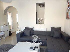 Image No.4-Commercial de 3 chambres à vendre à Peyia