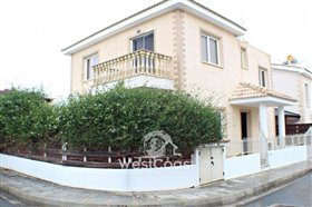 Image No.0-Villa de 3 chambres à vendre à Emba