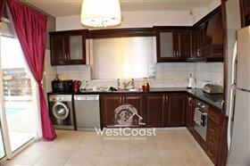 Image No.5-Villa de 3 chambres à vendre à Emba