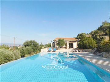 83990-bungalow-for-sale-in-neo-choriofull