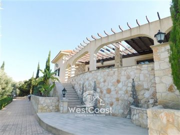 83991-bungalow-for-sale-in-neo-choriofull