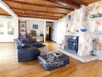 83996-bungalow-for-sale-in-neo-choriofull